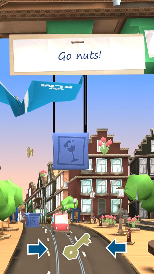 纸飞机冒险破解版作为一款集万千宠爱为一身的趣味十足的3D酷跑类型安卓掌上手机游戏噢,该游戏画面精致清晰,效果十分逼真,操作非常流畅,玩法又很简单,还配有时尚悦耳的音乐作为游戏背景音乐,游戏更是精品中的精品,精品中的战斗机!在游戏中,主角不再是人类,相反你所操作的是一片轻飘飘的纸飞机,跟其他酷跑类型游戏差不多,游戏中的需要躲避的障碍也非常之多,奔袭而来的电车和沿着阿姆斯特丹运河的轮船都是你需要注意的对象,另外除了单人游戏模式,可进行好友挑战的多人竞技也非常耐玩哟!